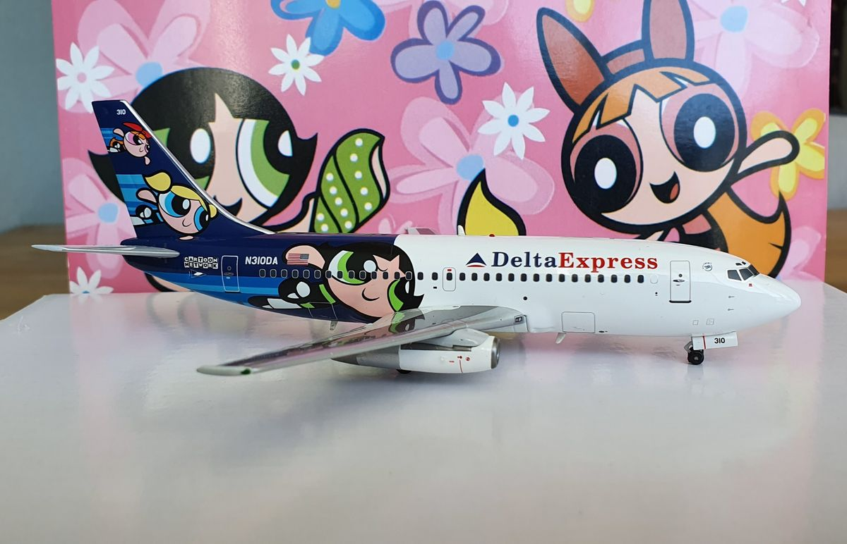 WB Models Boeing B737-200 Delta Express 'Power Puffs' WB-737-130DA €69