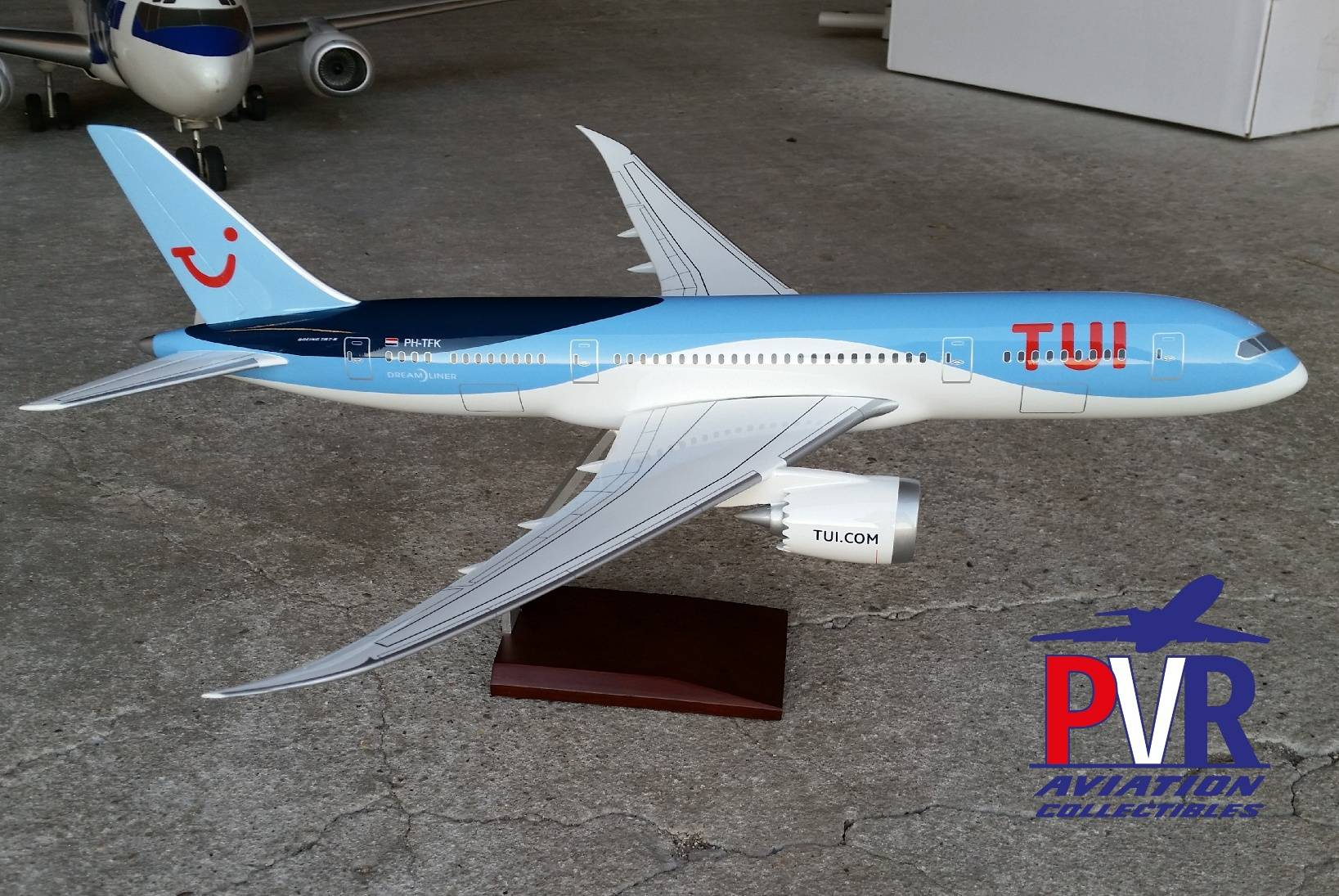 Premium Models Boeing 787-8 TUI from €175 now only €125